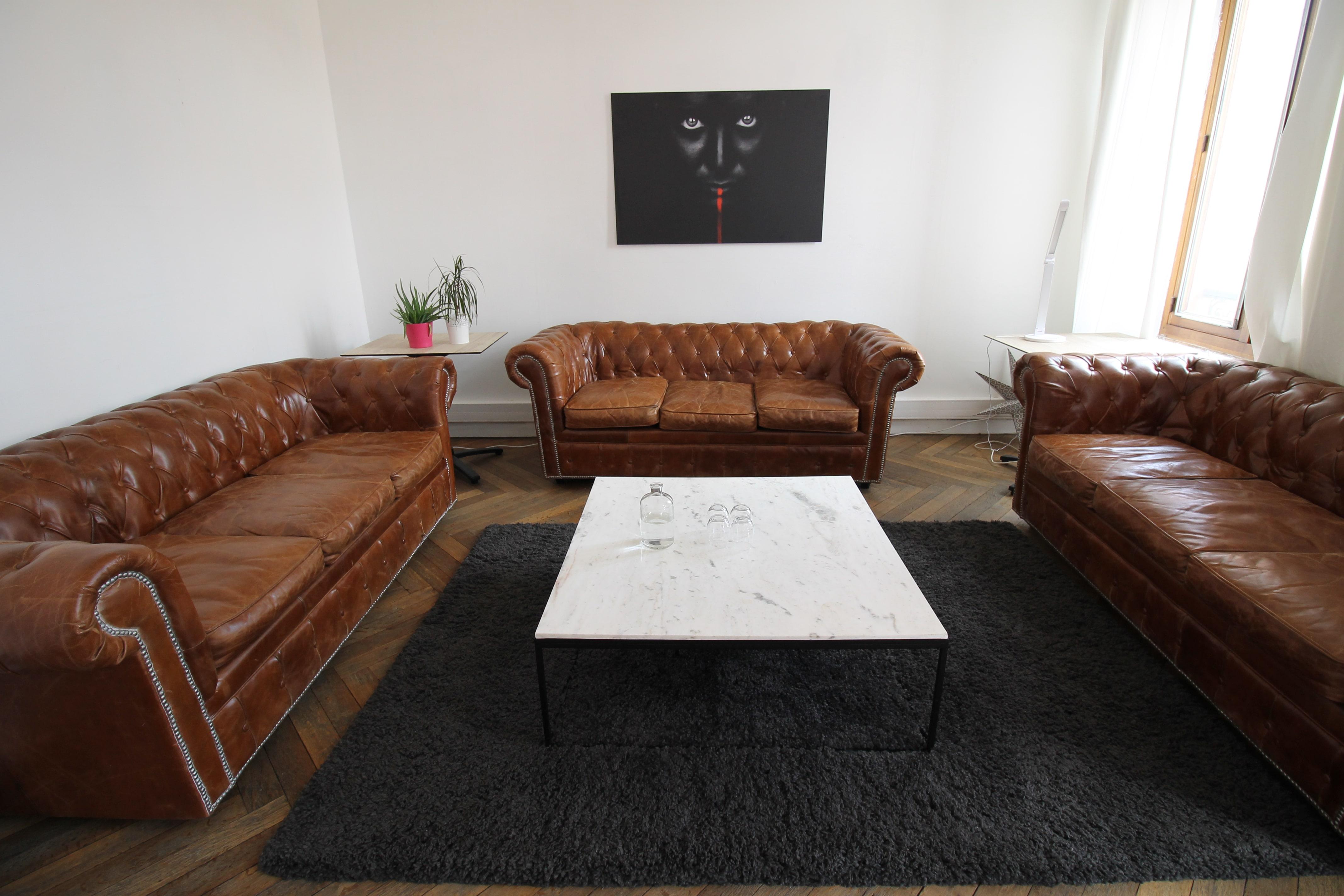 Le canapé dans le salon